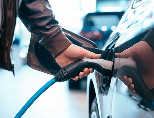Carregamento de carros elétricos em condomínios